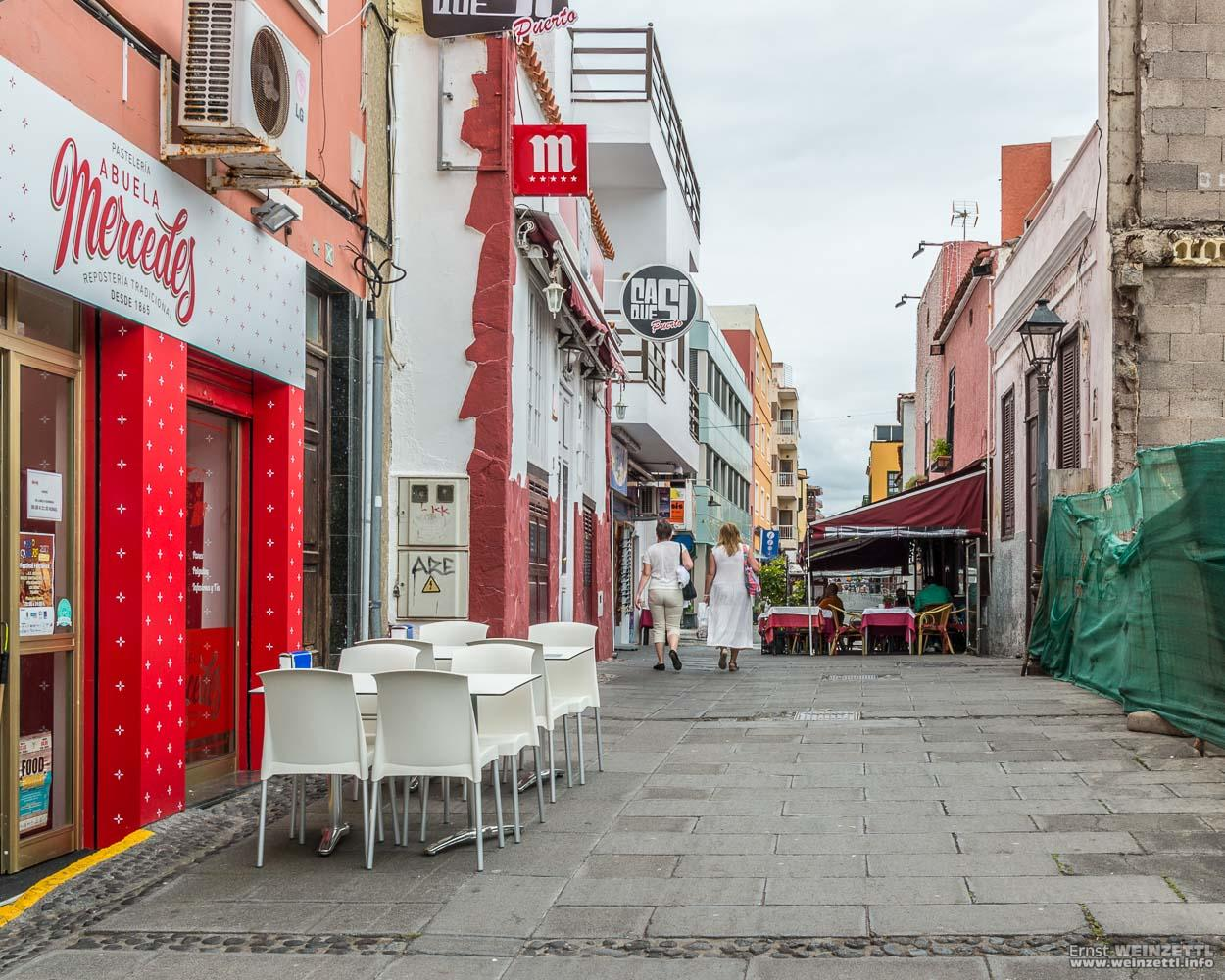 Die Calle de Viejo von der Plaza del Charco aus gesehen.