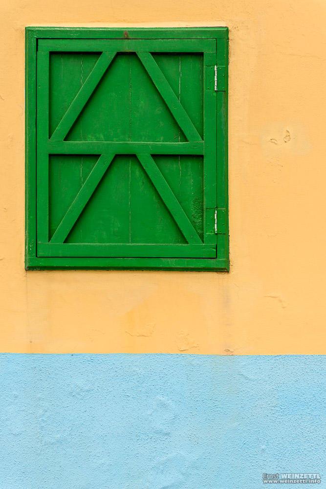 Selten, aber doch: ein frisch gestrichenes Haus.