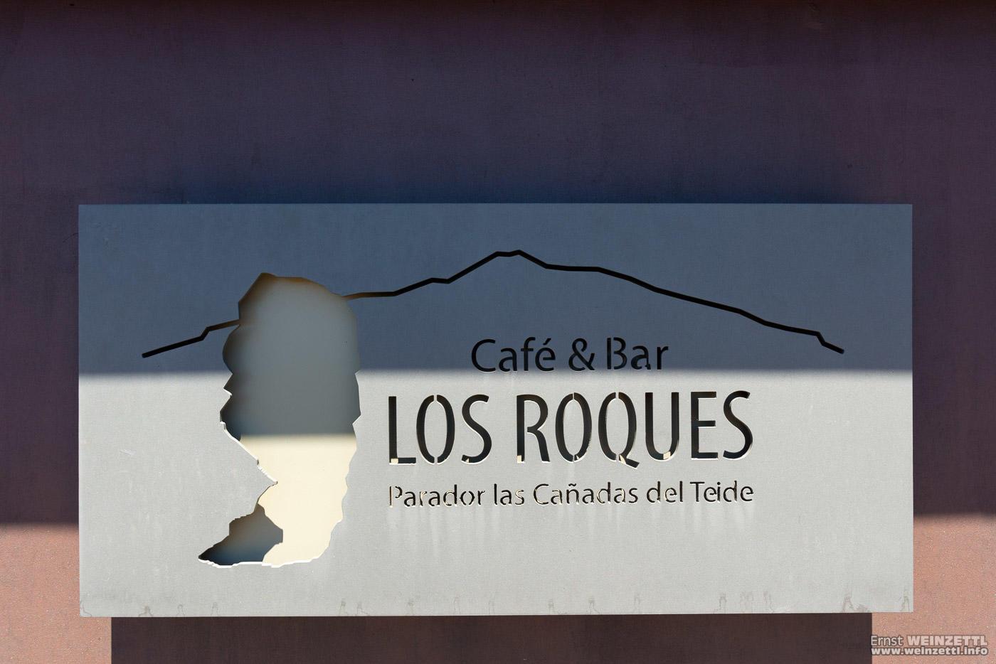 """Cafe & Bar Los Roques. Der Roque Cinchado, der """"Finger Gottes"""" ist ein Wahrzeichen der Insel."""