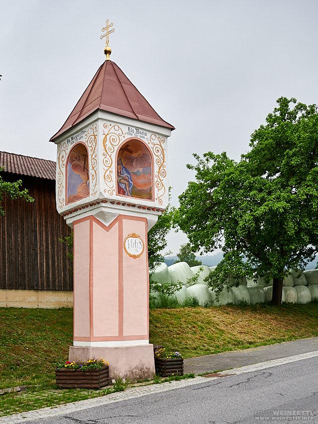 """Bildstock (""""Marterl"""") am Wegesrand."""