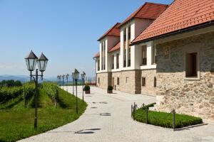 Auch die Neubauten fügen sich harmonisch in die Landschaft.